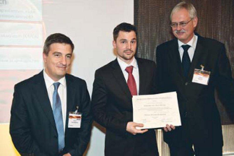 Menelaos Skourtopoulos, David Pfister und Wolfgang Weidner (von links). Foto: Bertram Solcher – © DGU