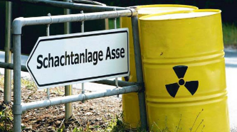 120 000 Fässer mit radioaktivem Müll lagern in dem ehemaligen Salzbergwerk Asse. Foto: dpa