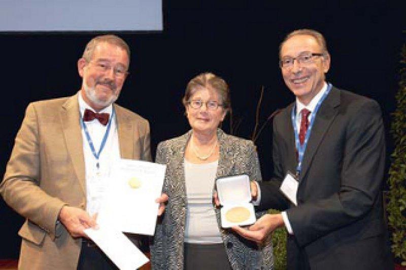 Jürgen Schölmerich, Ursula Falk und Paul Josef Rutgeerts (von links). Foto: Kai-Uwe Wudtke, Freiburg