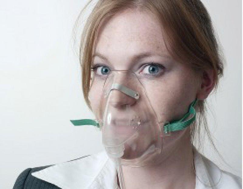 COPD-Patientin mit Atemmaske. Foto: Fotolia