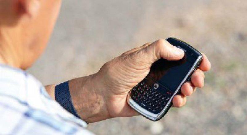 Verursachen Mobiltelefone Hirntumoren? Experten einer WHO-Einrichtung halten das für möglich. Foto: Fotolia