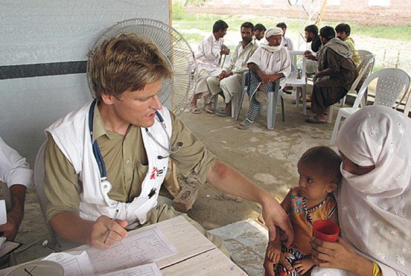 Die Therapie in provisorischen Krankenhäusern gehört zum Alltag von Ärzte ohne Grenzen. Foto: Ärzte ohne Grenzen
