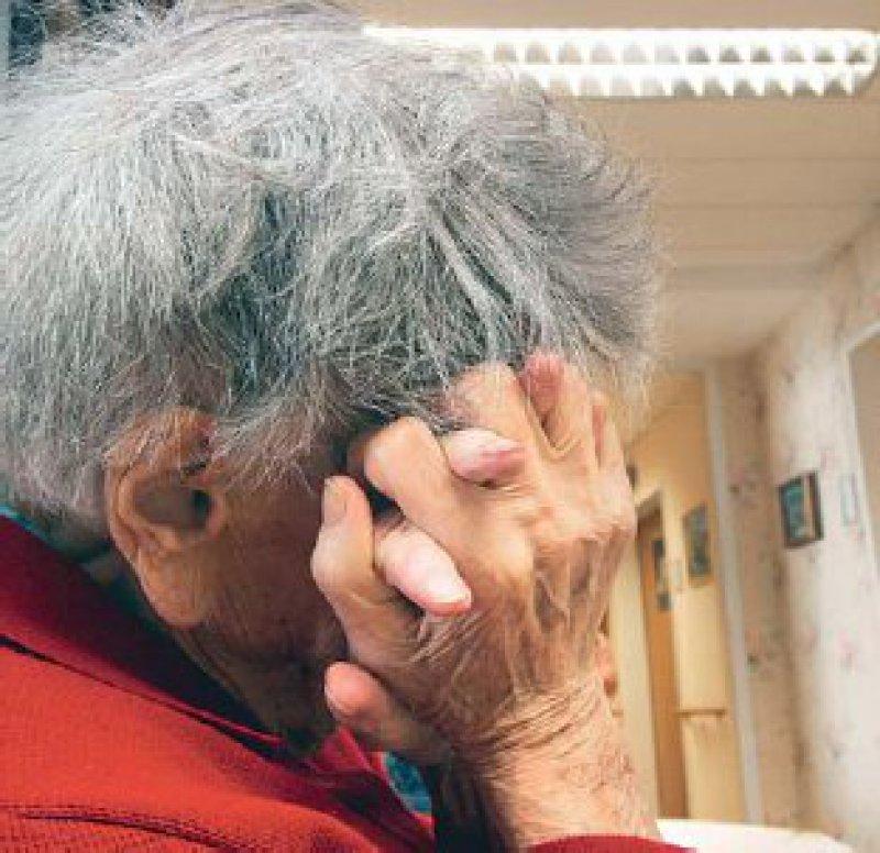 Etwa 1 600 Demenzkranke je 100 000 Einwohner leben zurzeit in Deutschland. Das sind circa 1,3 Millionen. Foto: dpa