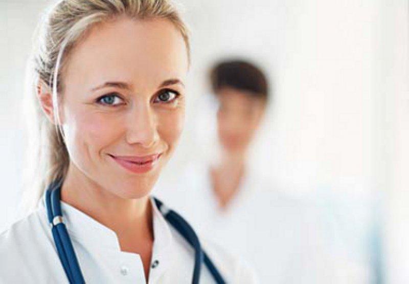 Die Medizin wird weiblich: Der Frauenanteil unter den Ärzten steigt kontinuierlich. Foto: Fotolia