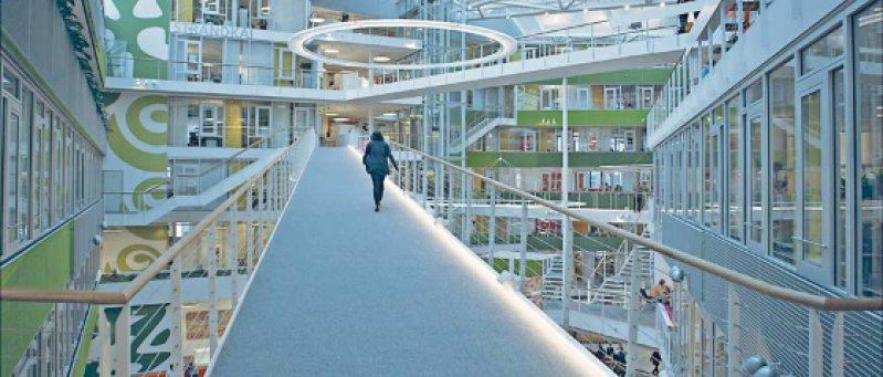Schöne neue Arbeitswelt: das neue Firmengebäude von Unilever. Fotos: Hupe Film