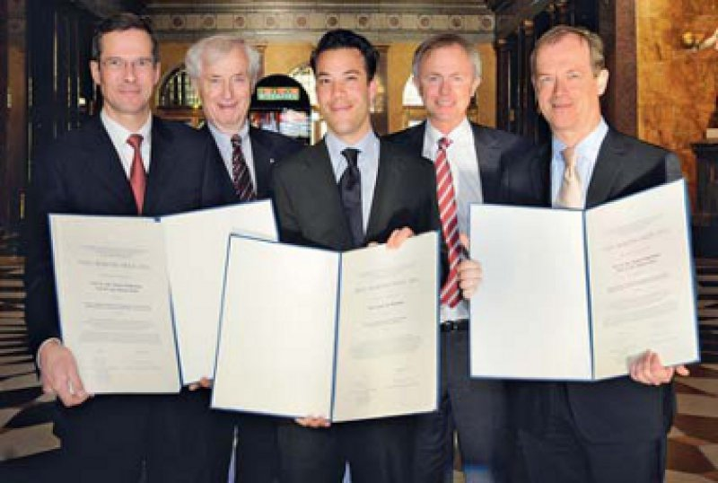 Stephan Stilgenbauer, Peter C. Scriba, Jan Wehkamp, Stefan Endres und Michael Hallek (von links). Foto: Paul-Martini-Stiftung