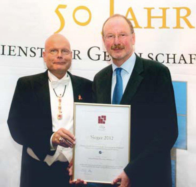 Wolfgang G. Lange und Hermann Müller (von links). Foto: Klinikum Oldenburg, dfg