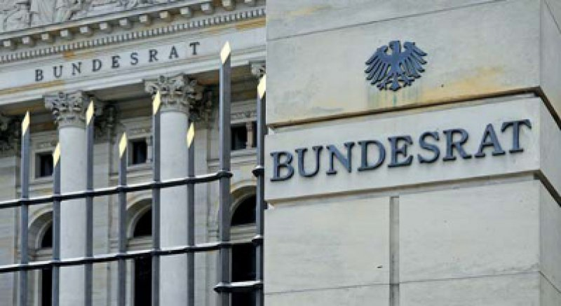 Eingeknickt: Auf Druck von Daniel Bahr winkt der Bundesrat das Psych-Entgeltgesetz durch. Foto: picture alliance