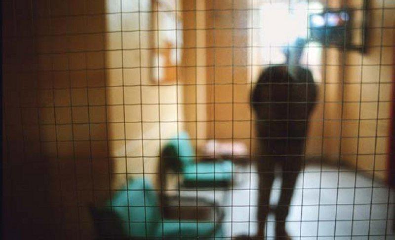 Die zwangsweise Unterbringung psychisch Kranker ist erlaubt, die Behandlung nicht. Das kritisieren Psychiater und Psychotherapeuten. Foto: Your Photo Today