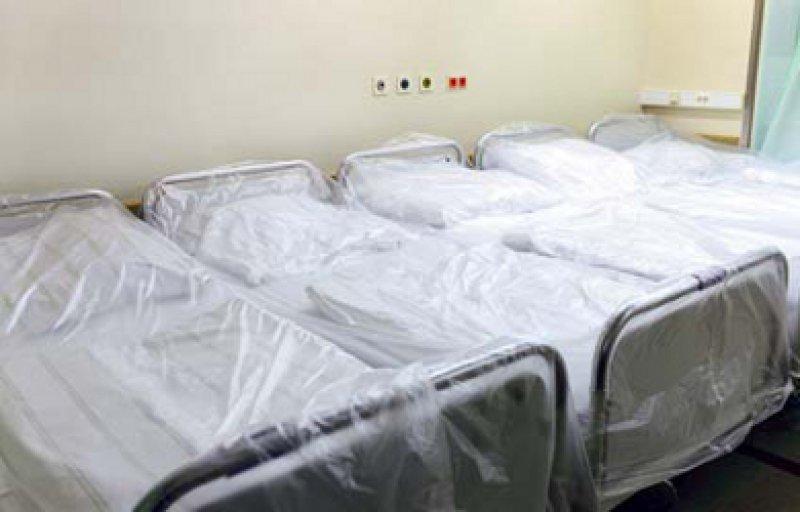 Bereit für neue Patienten: Die Verweildauer im Krankenhaus sank von 8,5 Tagen im Jahr 2010 auf 8,4 Tage 2011. Foto: Caro