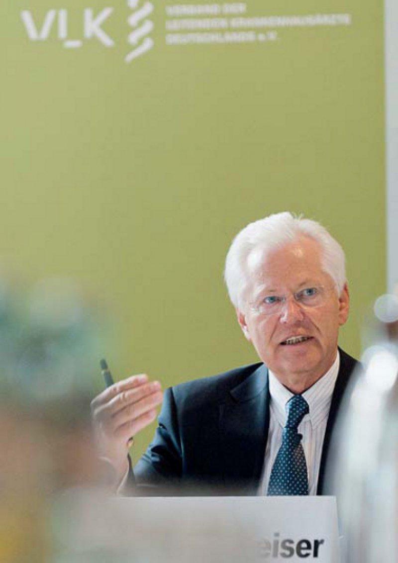 Er glaube, ja, antwortete Hans-Fred Weiser, Präsident des Chefarztverbandes, auf die Frage, ob es unnötige Operationen in Krankenhäusern wegen falscher finanzieller Anreize für die Ärzte gebe. Foto: Svea Pietschmann
