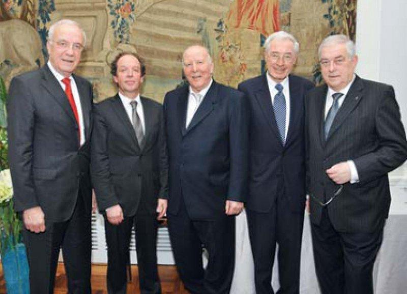 Fritz Pleitgen, Klaus-Michael Debatin, Peter Krammer, Peter Propping und Hans-Peter Krämer (von links). Foto: Deutsche Krebshilfe e.V.