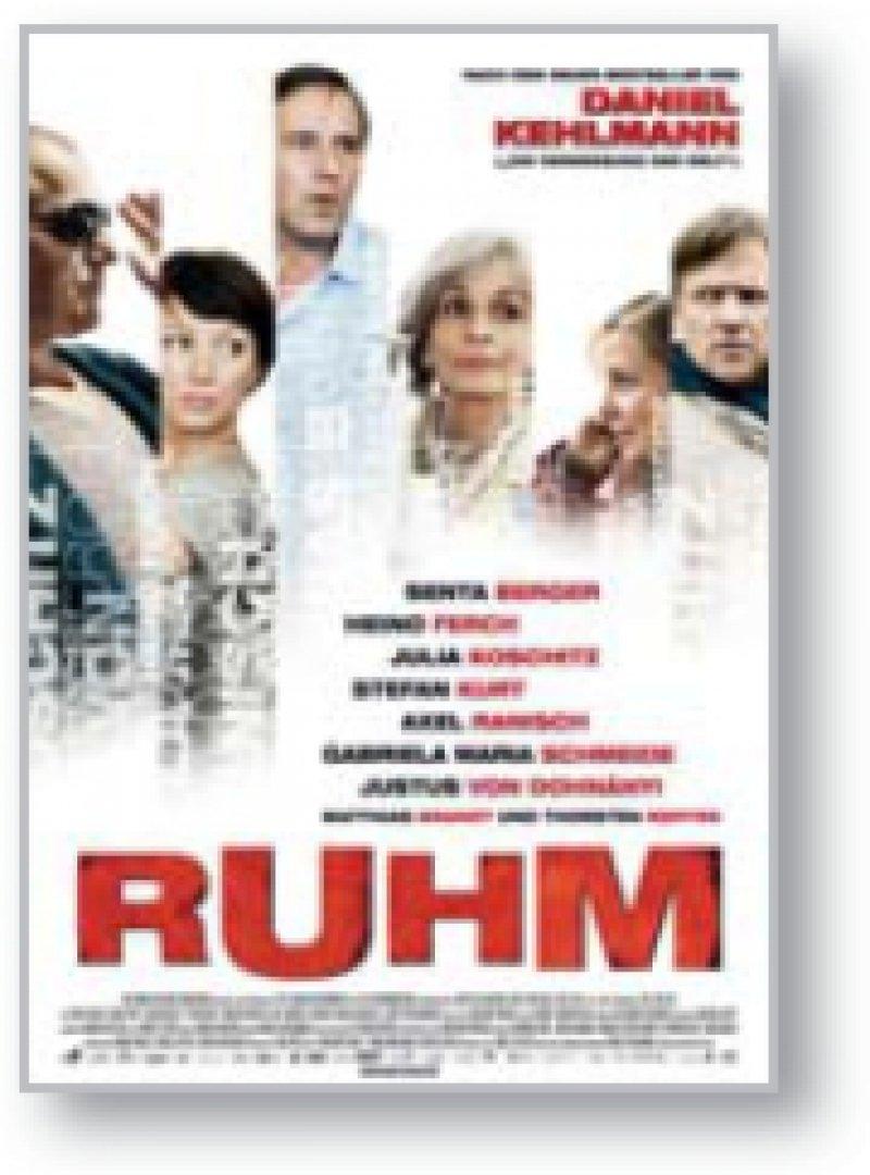 Die Verfilmung eines Romans von Daniel Kehlmann verwebt die Schicksale von neun Menschen miteinander. Das Ergebnis ist ein herausragend produzierter und inszenierter Episodenfilm mit einer etwas unausgegorenen Bedeutungsschwere.