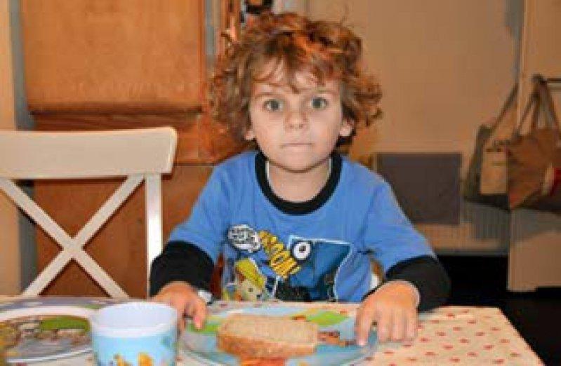 Morgens kurz nach sechs genießt Liam die ungeteilte Aufmerksamkeit seiner Mama.