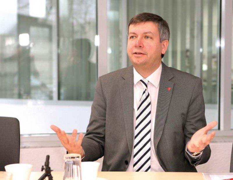 """""""Die genetische Vielfalt der weltweit verfügbaren Stammzellspenden muss gesteigert werden."""" Stefan F. Winter, Geschäftsführer der DKMS Deutsche Knochenmarkspenderdatei. Foto: Eberhard Hahne"""