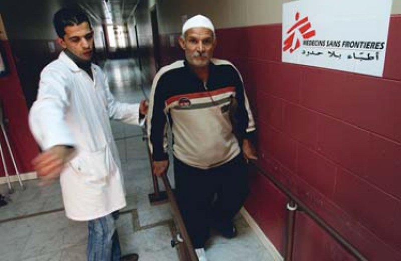 Zuflucht Amman: Seit 2006 behandelt Ärzte ohne Grenzen in der jordanischen Hauptstadt Patienten mit physischen und psychischen Traumata. Fotos (2): ddp images/AP