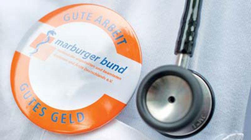 Die Tarifpluralität sichert den Ärzten derzeit eigene Tarifverträge. Foto: dpa
