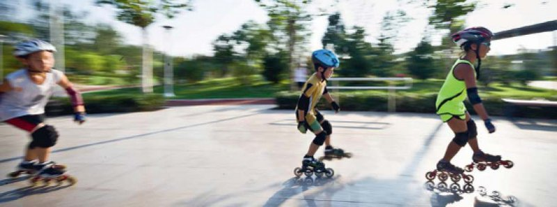 Im Rausch der Geschwindigkeit: Bei Mädchen ereignen sich drei Viertel der Frakturen vor dem neunten Lebensjahr, bei Jungen bis zum Alter von zwölf Jahren. Foto: picture alliance
