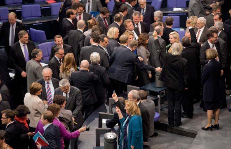 Alle gegen eine: Sämtliche anwesenden Bundestagsabgeordneten votierten in der namentlichen Abstimmung gegen die Praxisgebühr. Foto: dpa