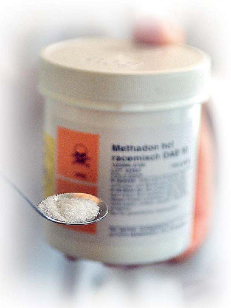Die Substitutionstherapie mit Methadon sichert vielen Abhängigen das Überleben, erhöht die Chance einer Resozialisierung und senkt das Risiko für Infektionserkrankungen. Foto: dapd