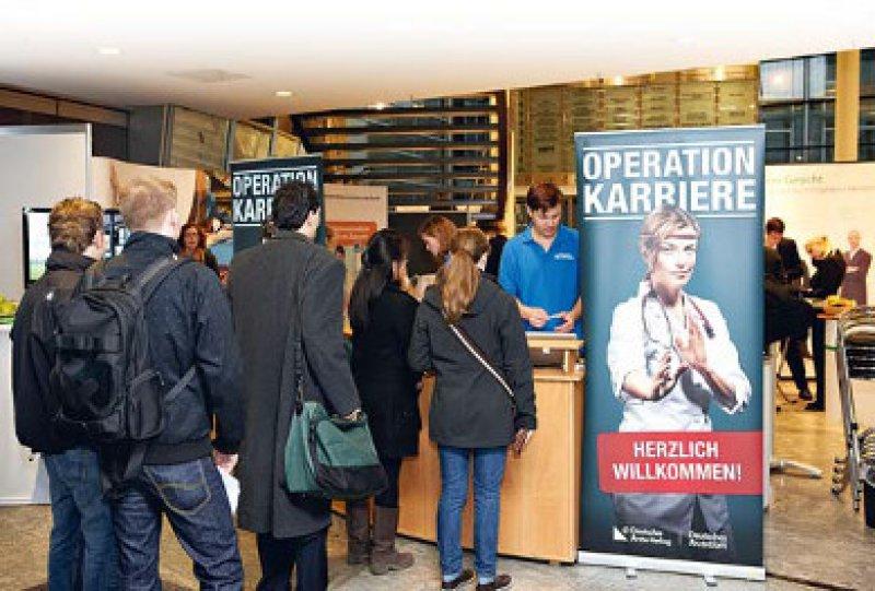 Operation Karriere lockte mehr als 400 Teilnehmer mit Vorträgen, Diskussionsrunden und Workshops in den Kölner Mediapark. Foto:Johannes Dreuw