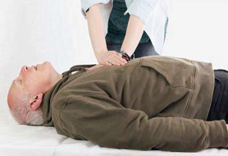 Prüfen, rufen, drücken: So lautet das Motto der Kampagne der Anästhesisten. Foto: iStockphoto