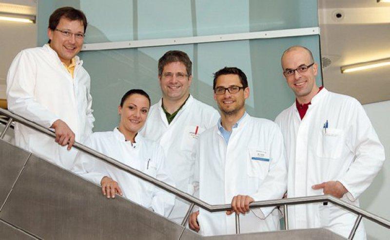 Hartmut Böhm, Sandra Habel, Tilmann Schweitzer, Christian Linz und Philipp Meyer-Marcotty (von links). Foto: Craniofaziale-Centrum Würzburg