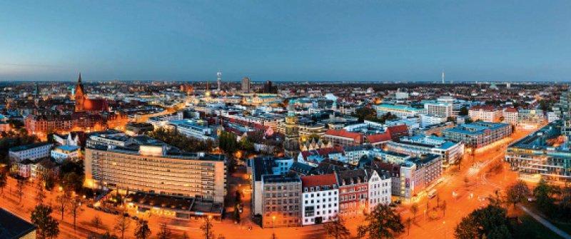 Die Skyline von Hannover – Blick vom Neuen Rathaus, Foto: Fotolia/mapics