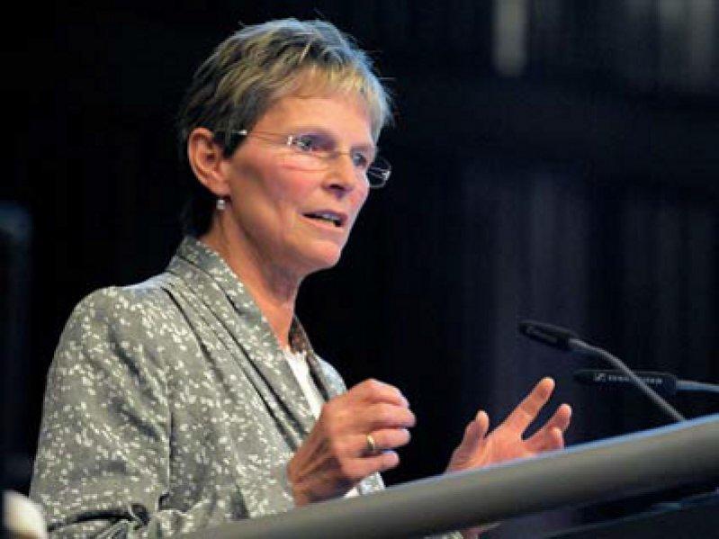 Der Bedarf an Hausärzten und grundversorgenden Fachärzten steigt erheblich. Darauf müsse man in Ausund Weiterbildung reagieren, sagte KBV-Vorstand Regina Feldmann.