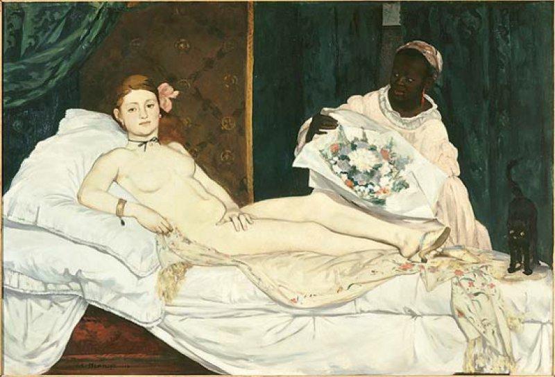 """Édouard Manet: """"Olympia"""", 1863, Öl auf Leinwand, 130 × 190 cm: Ein Pantöffelchen, das sie kokett über ihren linken Fuß gestülpt hat, ist das einzige Kleidungsstück der nackten Olympia. Ebenso provokativ wie ihr lasziv ausgebreiteter Körper sind ihre Augen, die den Betrachter kühl-distanziert herausfordern. Eine dunkelhäutige Dienerin reicht ihr den Blumenstrauß eines im Bild nicht sichtbaren Verehrers. Manets Blick ins Schlafzimmer einer Kurtisane löste 1865 einen Riesenskandal aus. © Musée d'Orsay, Dist. RMN-Grand Palais/Patrice Schmidt"""