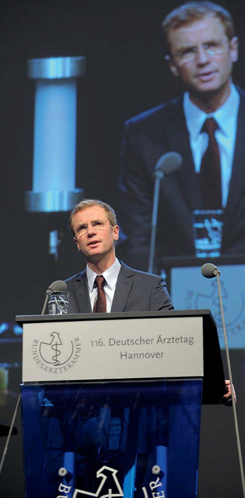 Olaf von dem Knesebeck: Die Verringerung gesundheitlicher Ungleichheit – inklusive der gesundheitlichen Auswirkungen von Armut – ist eine der zentralen politischen und gesellschaftlichen Aufgaben.