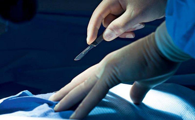 Für jede DRG-Leistung erhalten Krankenhäuser ab dem 1. August einen prozentualen Zuschlag. Foto: mauritius images