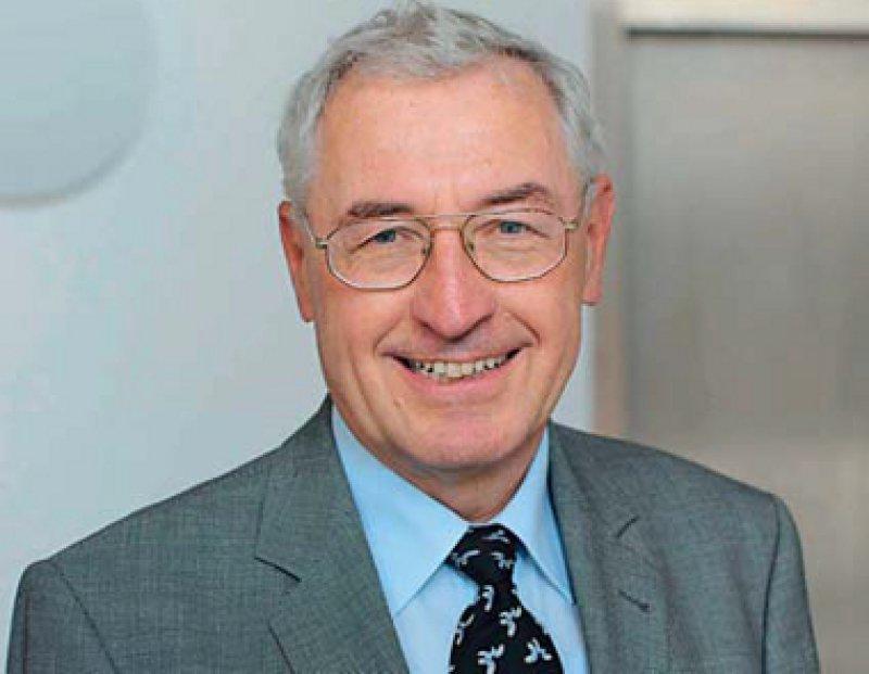 Peter Propping vertritt seit 2009 die Bundesärztekammer als Gast bei der Gendiagnostikkommission. Von 2001 bis 2007 war er zudem Mitglied des Nationalen Ethikrats. Foto: David Ausserhofer, Leopoldina