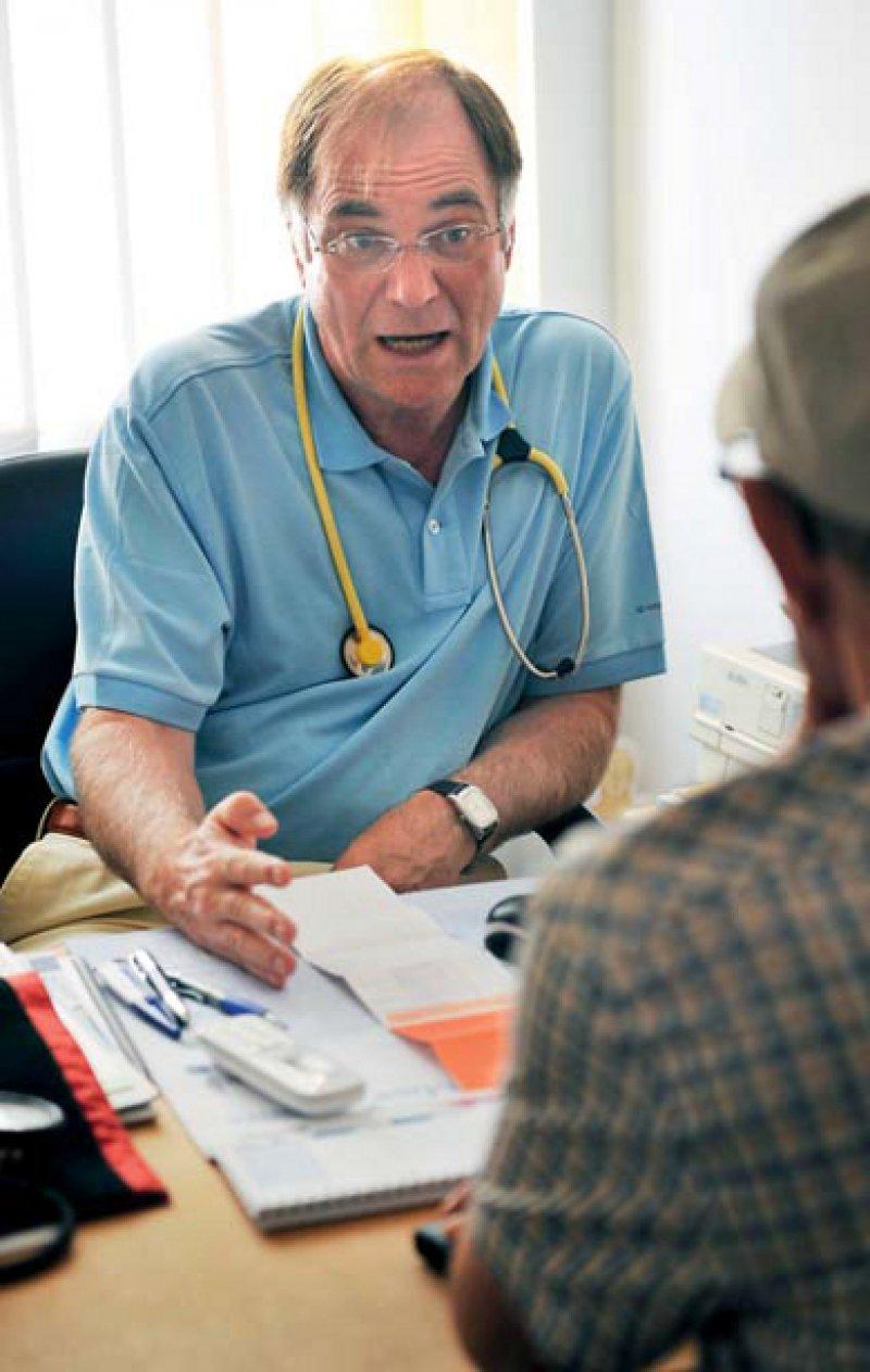 Mehr Honorar für Beratungen sieht der neue Hausarzt-EBM vor. Die zusätzlichen Finanzmittel dafür sind aber nach wie vor begrenzt. Foto: picture alliance
