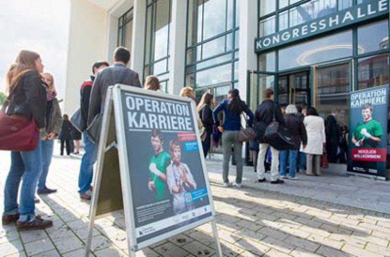 """Der Andrang beim Kongress """"Operation Karriere"""" des Deutschen Ärzteblattes war groß. Foto: Klaus D. Wolf"""