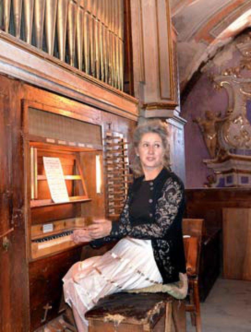 Raue Schale: Gänzlich unprätenziös und scheinbar uneinnehmbar liegt Saorge auf einem Felsvorsprung über dem Tal der Roya. Seinen Schatz, die barocke Orgel, präsentiert Lydie Staub – Organistin und Fremdenführerin in einem.