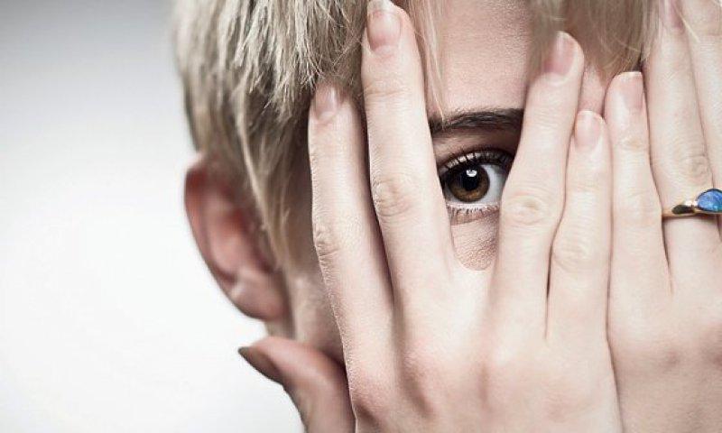 Kognitiv-behaviourale und psychodynamische Therapie sind gleichermaßen hilfreich. Foto: iStockphoto