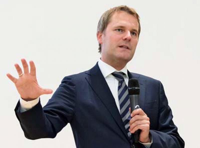 Wartet auf ein abgestimmtes GOÄ-Konzept von Ärzteschaft und PKV-Verband: Minister Daniel Bahr. Foto: Lajos Jardai