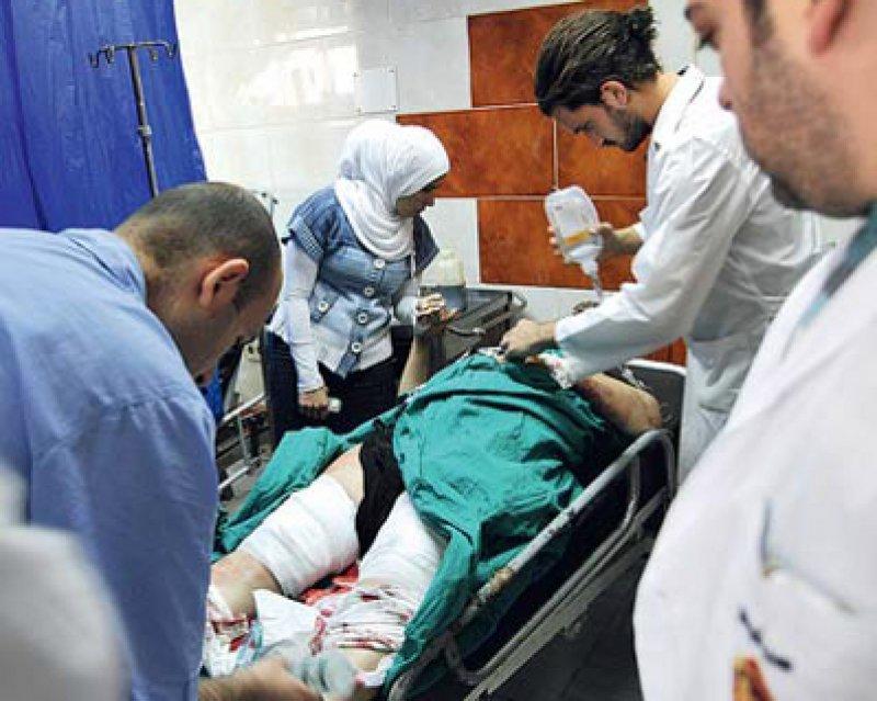 Leben retten unter gefährlichen Bedingungen: Ein 28-jähriger Chirurg hat jetzt seinen Einsatz mit dem Leben bezahlt. Foto: dpa