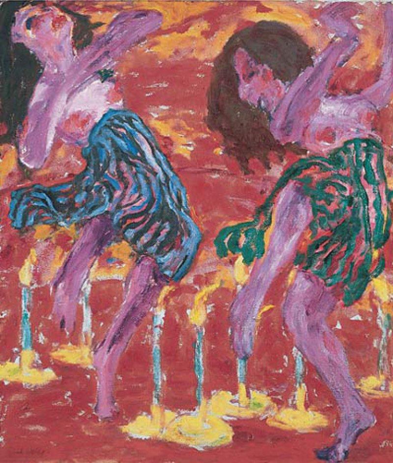 """Emil Nolde: """"Kerzentänzerinnen"""", 1912, Öl auf Leinwand, 100,5 × 86,5 cm: In leidenschaftlicher Ekstase wirbeln zwei Tänzerinnen in einem in orange-rotes Licht getauchten Raum umeinander. Ihre rotierenden, kaum bekleideten Körper scheinen die flackernden Flammen der Kerzen zu ihren Füßen zu imitieren. Die glühenden Farben und starken Farbkontraste schaffen eine Atmosphäre von Rauschhaftigkeit, Sinnlichkeit und Exotik. © 2013 Nolde Stiftung Seebüll"""