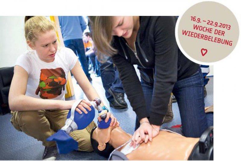 Reanimationsübungen in der Schule sind ein Teil des Projekts, das auch auf europäischer Ebene unterstützt wird. Foto: Your Photo Today