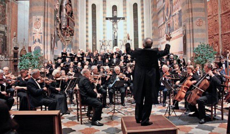 Mediziner-Ensembles musizierten gemeinsam mit namhaften italienischen Opernsängern in bedeutenden italienischen Kirchen. Foto: Süddeutscher Ärztechor