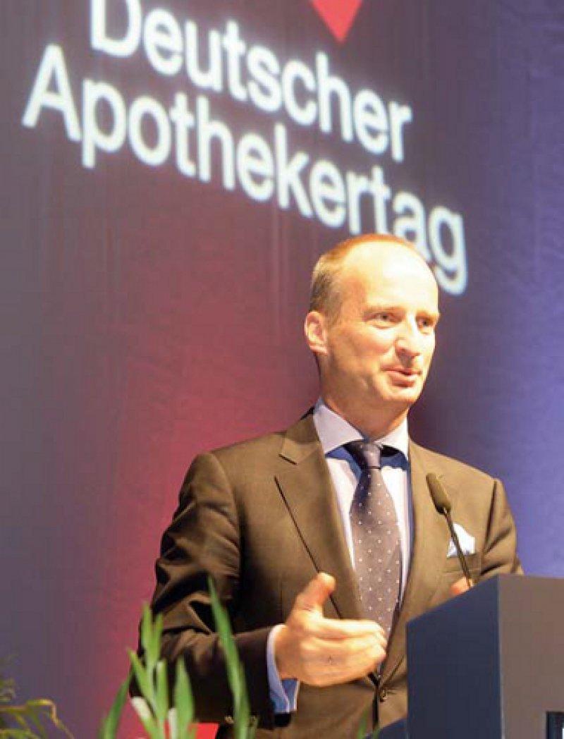 Der Apothekenbus ist keine Lösung: ABDA-Präsident Friedemann Schmidt bei der Eröffnung des Deutschen Apothekertags in Düsseldorf. Foto: ABDA