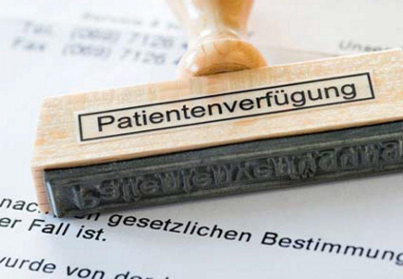 Patientenverfügung, Betreuungsverfügung und Vorsorgevollmacht: Drei Möglichkeiten der Willenserklärung stehen zur Verfügung. Foto: picture alliance