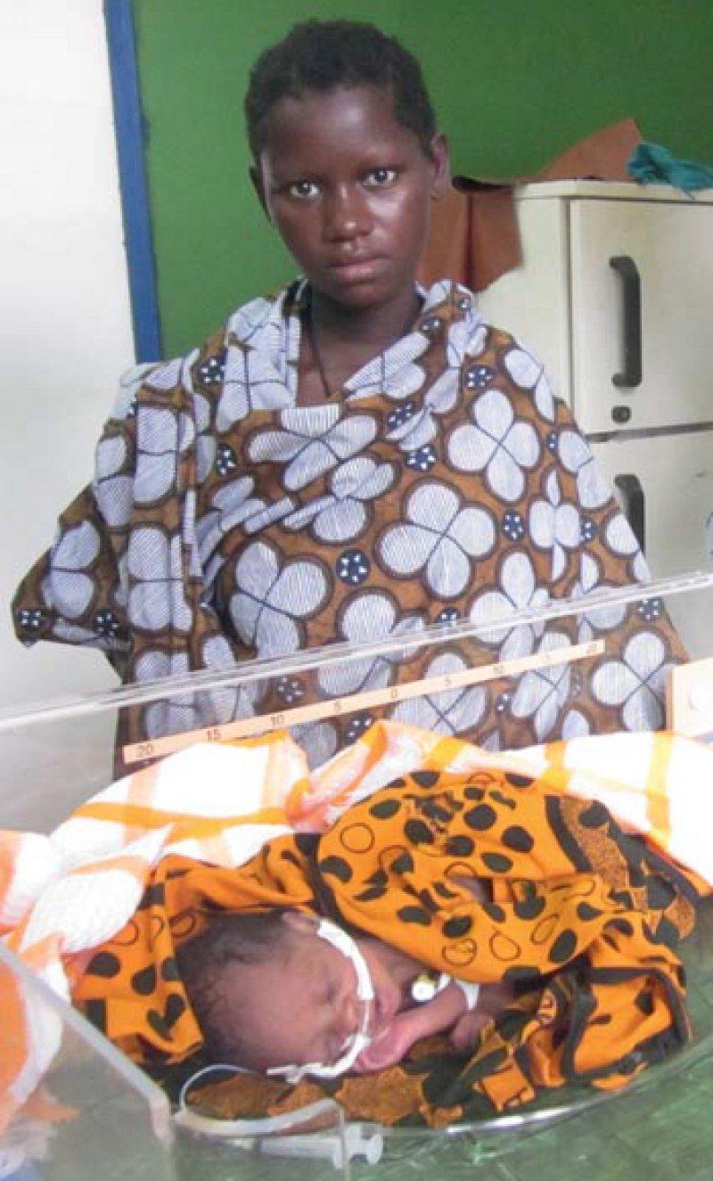 Ein eigenes Zimmer für Frühgeborene – ein Luxus an afrikanischen Krankenhäusern. Fotos: Holger Brockmeyer