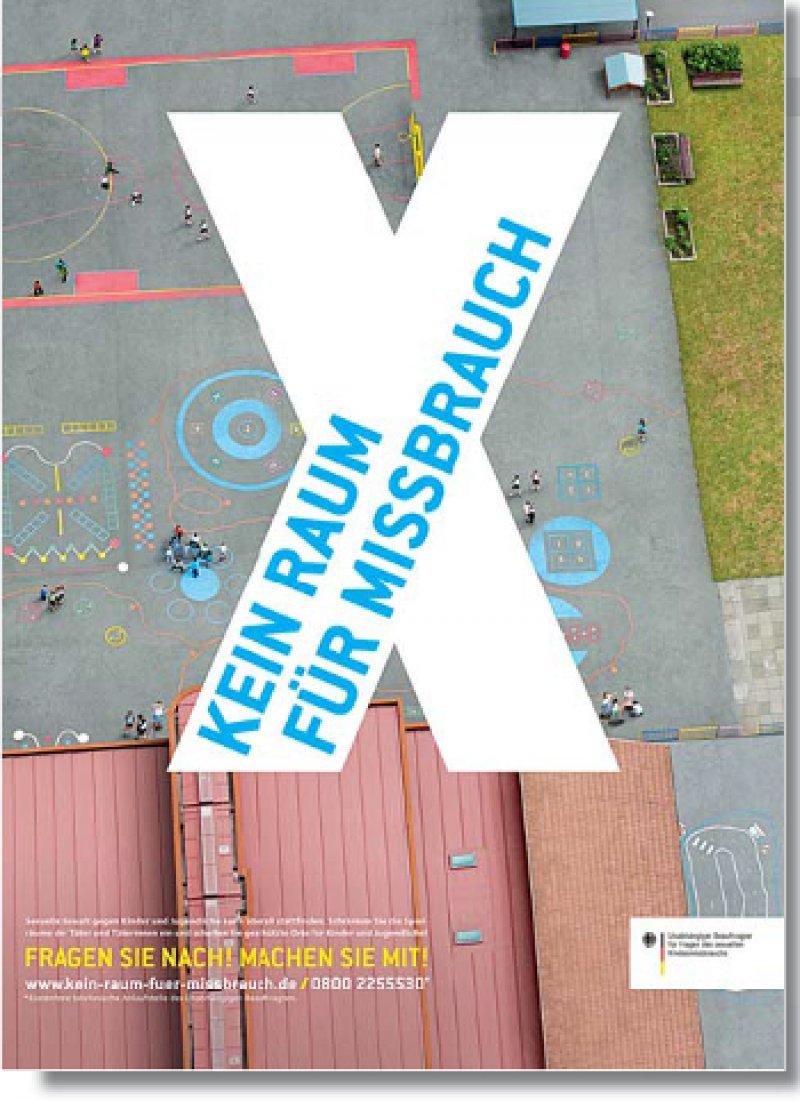 Der aktuelle Kampagnenspot des Missbrauchsbeauftragten, gestaltet von Daniel Levy, verweist weiterhin auf die telefonische Anlaufstelle: 0800 22 55 530.