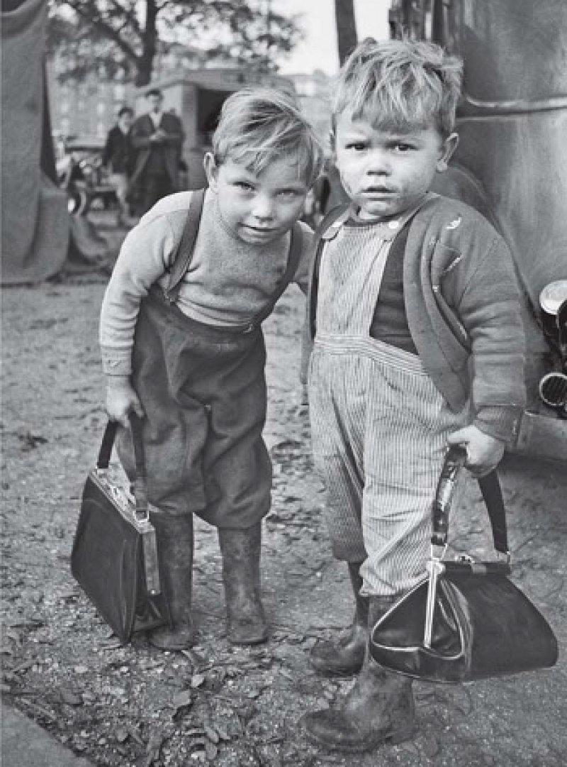 """""""The boys"""", Montreuil, Paris, 1962"""