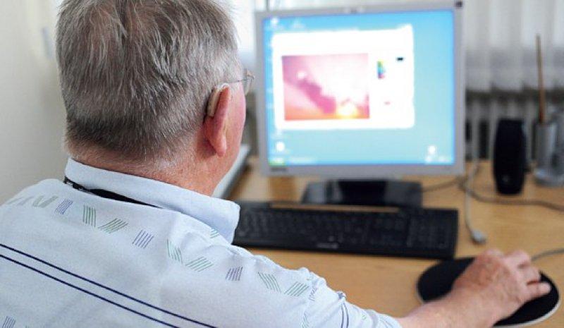 Mehr als 63 Prozent der Internetnutzer greifen bei Gesundheitsfragen auf das Netz zurück. Foto: dpa