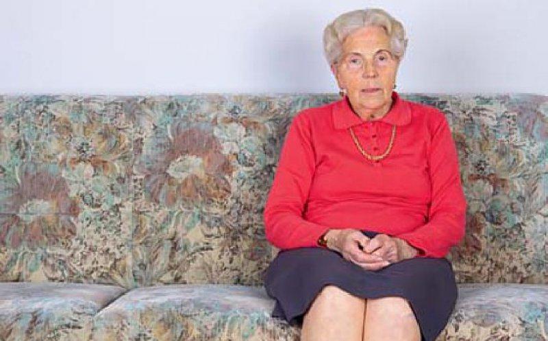 Jede zweite Frau über 65 Jahren lebt allein. Foto: picture alliance
