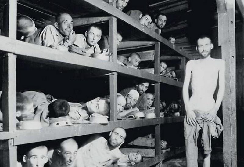 Befreite Häftlinge des KZ Buchenwald: Nach dem Bundesentschädigungsgesetz gab es für jeden Tag der KZ-Haft fünf Mark. Fotos: dpa